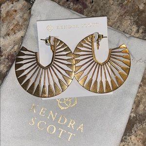 Deanne Hoop Earrings In Vintage Gold